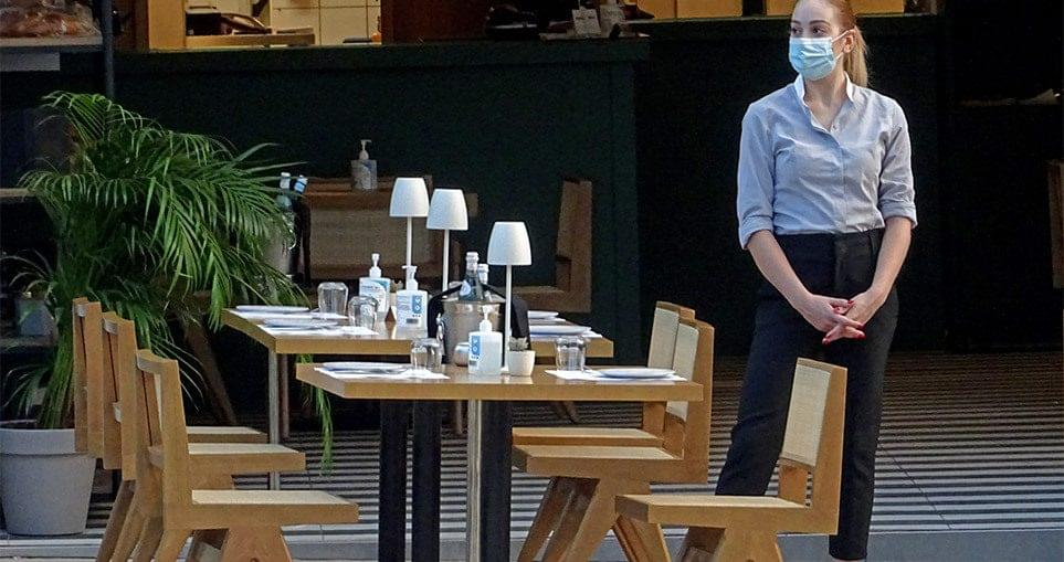 Ανεμβολίαστοι: Από την τσέπη τους τα τεστ οι εργαζόμενοι σε εστίαση και  τουρισμό – Τεράστια η «μείωση» μισθού - Εργασιακά Νέα